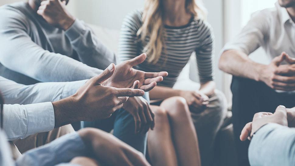 12 step peer support meeting