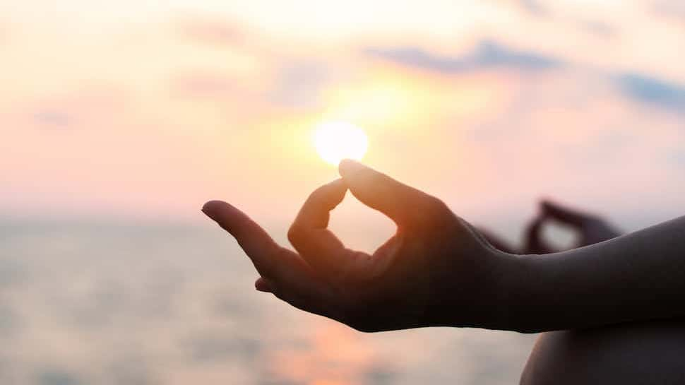 How-Yoga-Therapy-Assists-in-Recovery